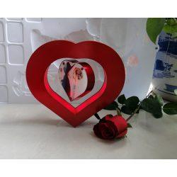 Lewitująca magnetyczna ramka na zdjęcia fotografię w kształcie serca