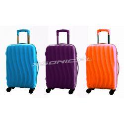 Średnia walizka podróżna na czterech kółkach Bubule ciekawy design 53 litry