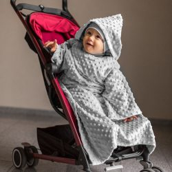Kocyk z rękawami i kapturem Baby Wrapi bardzo ciepły do zabawy w domu jak i na wyjazd