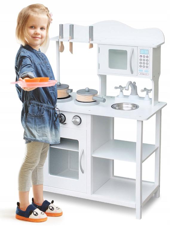 Drewniana kuchnia dla dzieci wspaniale wykonana